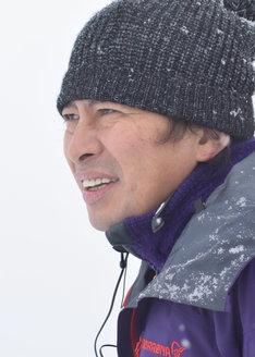 「ドラマ24『不便な便利屋』」の脚本・監督を務める鈴井貴之。