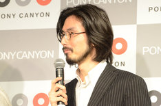 """要潤からのコメントに微笑む平井""""ファラオ""""光。"""