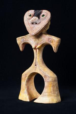 片桐仁の作品「オニギリ型土偶 」