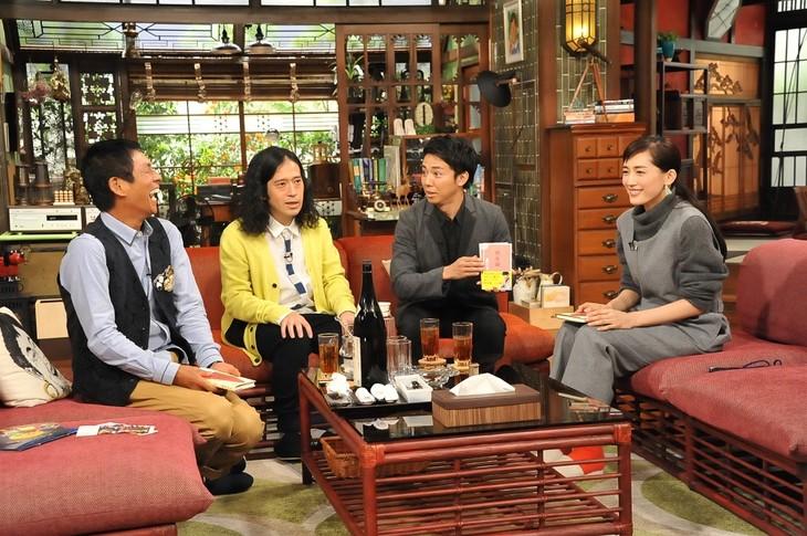 「さんまのまんま30周年秋SP」に出演する明石家さんま、ピース又吉、ピース綾部、綾瀬はるか(左から)。(c)関西テレビ