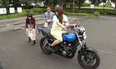 「ウソのような本当の瞬間!30秒後に絶対見られるTV」でロケを展開しているかもめんたる。(c)テレビ東京