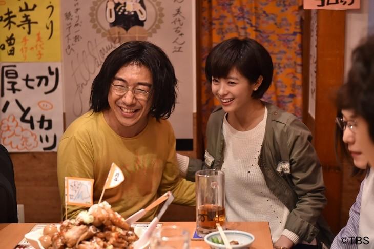 「金曜ドラマ『コウノドリ』」にゲスト出演する東京03角田(左)。