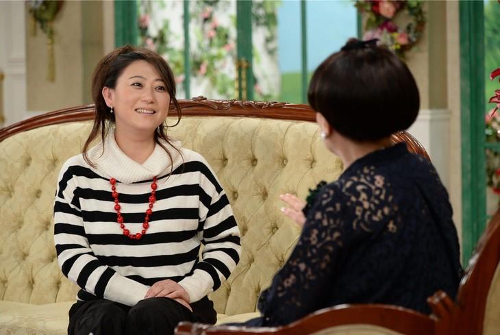 「徹子の部屋」に出演する友近(左)。(c)テレビ朝日