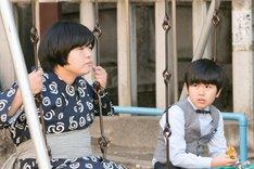 (左から)おかずクラブ・オカリナ、鈴木福。(c)日本テレビ