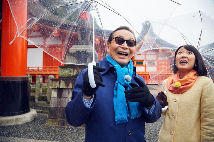 タモリと近江友里恵(NHKアナウンサー)。(c)NHK