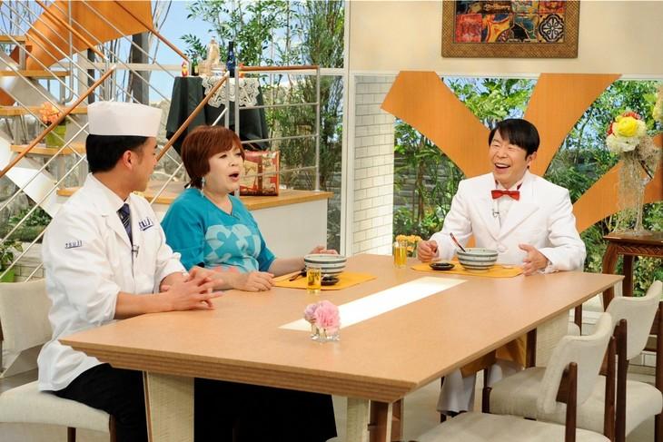 「上沼恵美子のおしゃべりクッキング」に出演するダンディ坂野(右)。(c)ABC
