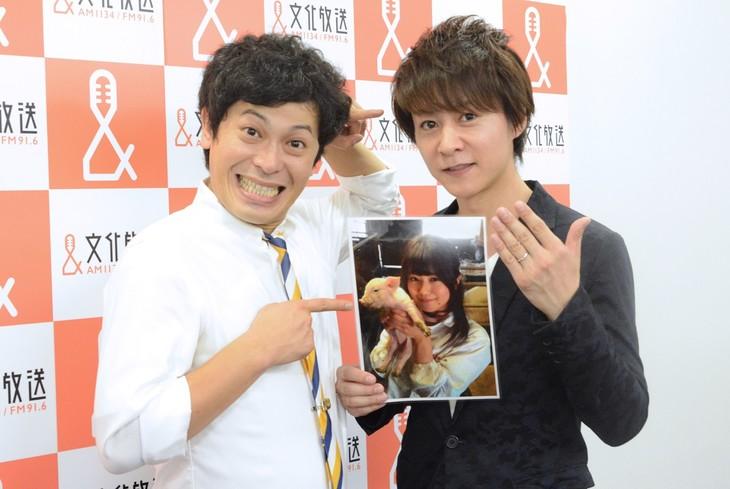 結婚を発表した流れ星・瀧上(右)と相方・ちゅうえい(左)。写真は小林礼奈。