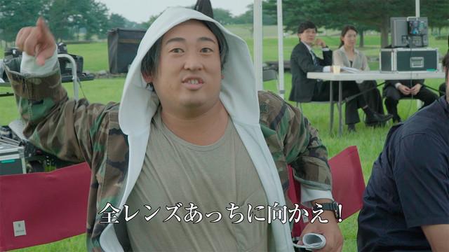 「のんある気分」新CMのメイキング動画のワンシーン。