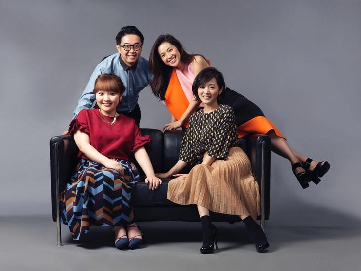 「#nakedEve」のMCを務める(左上から時計回りに)おぎやはぎ矢作、中村アン、高島彩、柳原可奈子。(c)関西テレビ
