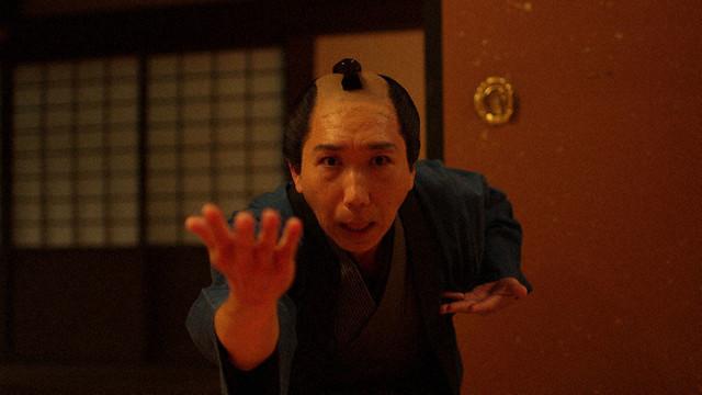 第1回「お見立て」の出演する梶原善。(c)NHK