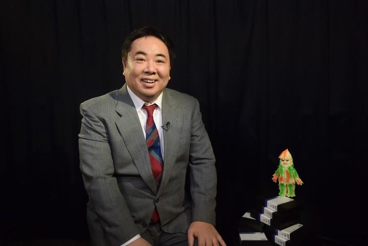 「EXまにあっくす」MCのドランクドラゴン塚地。(c)テレビ朝日