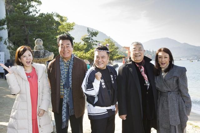 左から高橋真麻、高橋英樹、アンタッチャブル山崎、中尾彬、池波志乃。(c)メ~テレ