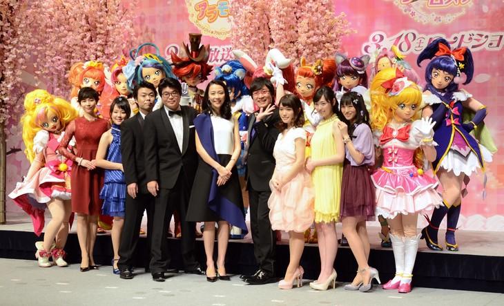 「映画プリキュアドリームスターズ!」と新番組「キラキラ☆プリキュアアラモード」の合同記者会見の様子。
