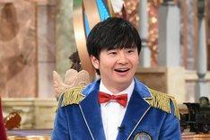 「世界ルーツ探検隊」MCのオードリー若林。(c)テレビ朝日