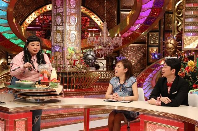 (左から)渡辺直美、高橋真麻、有吉弘行。(c)関西テレビ