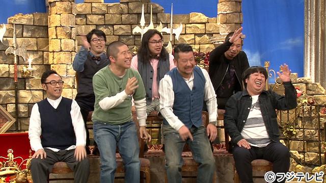 「笑いの勇者」に出演する芸人たち。