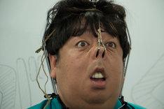 「日村がゆく#1~鼻フックの新しい夜明けを見つけるの巻~」のワンシーン。