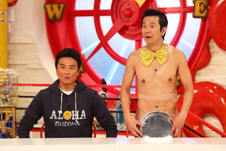 「マルコポロリ!」に出演するアキラ100%と原田龍二(左)。(c)関西テレビ