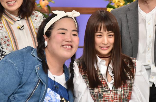 左からゆりやんレトリィバァ、山本美月。(c)日本テレビ
