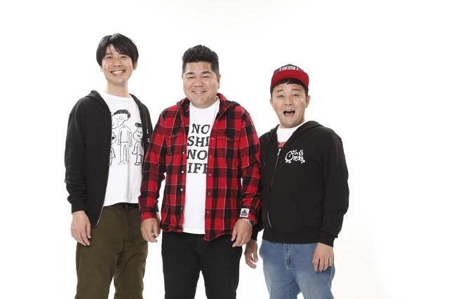 左からパラシュート部隊・矢野、ゴリけん、パラシュート部隊・斉藤。