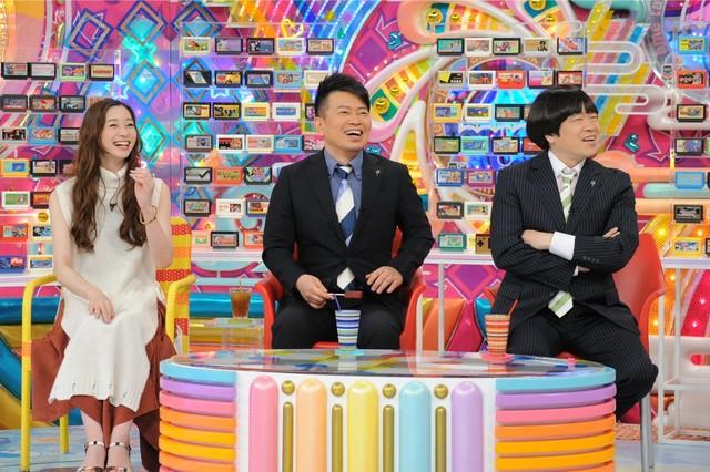 雨上がり決死隊と足立梨花(左)。(c)テレビ朝日