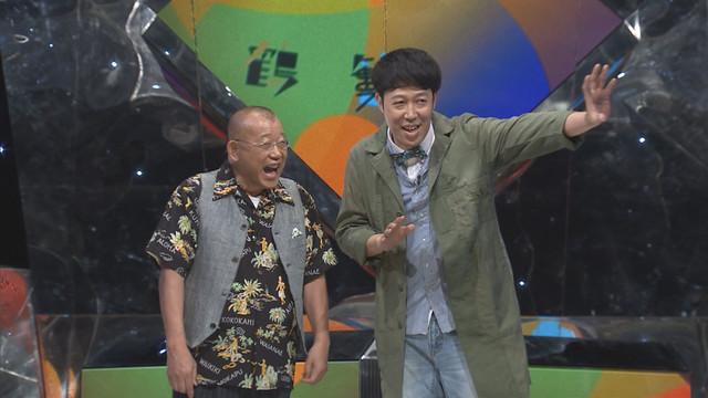 左から笑福亭鶴瓶、小籔千豊。(c)NHK