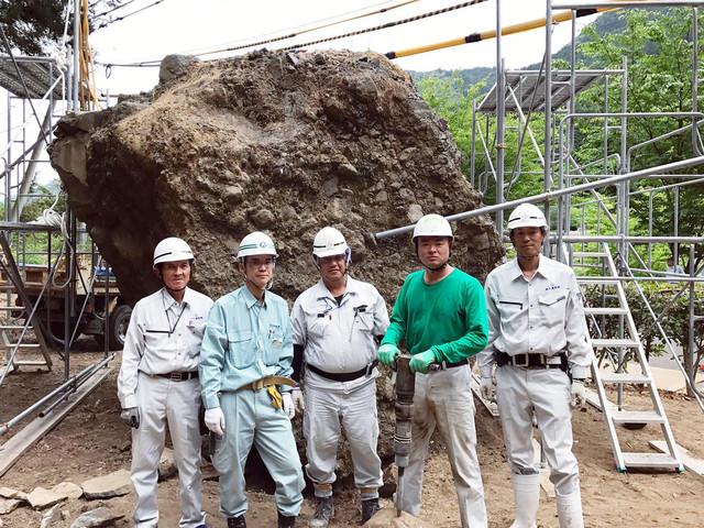 あばれる君(左から4人目)。(c)テレビ東京
