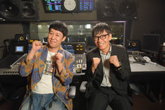 芸人チーム代表の小籔千豊(左)、役者チーム代表の生瀬勝久(右)。(c)ABC