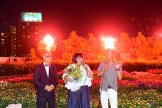 左から石原和幸氏、酒井藍、笑い飯・哲夫。