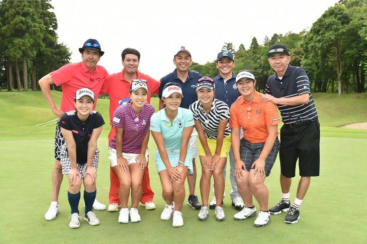 「とんねるずのスポーツ王は俺だ!! 2017夏の決戦スペシャル」の「ゴルフ対決」の出演者たち。(c)テレビ朝日