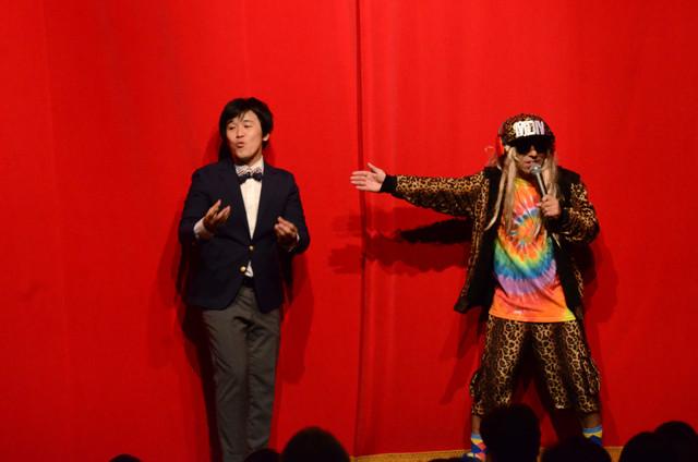 前説を担当したいぬは有馬が林修のモノマネ、太田がDJ KOOのモノマネを披露して盛り上げた。