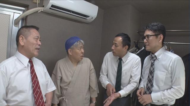 (左から)コント山口君と竹田君、ナイツ。(c)TBS