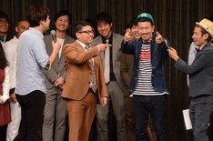 観客のレベルの高さを称えてみせる笑撃戦隊・柴田。