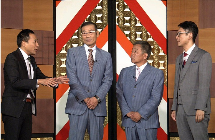 「お笑い演芸館」に出演するオール阪神・巨人とナイツ(両端)。(c)BS朝日