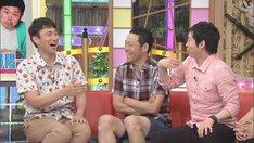 (左から)アンジャッシュ児嶋、東野幸治、今田耕司。(c)CBC