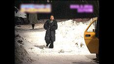 ロシアで落とし穴に落ちる寸前の出川哲朗。(c)テレビ朝日