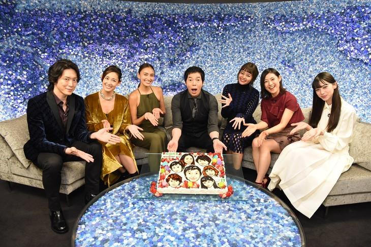 左から宮尾俊太郎、LIZA、長谷川潤、今田耕司、岸本セシル、瀧本美織、中条あやみ。(c)日本テレビ