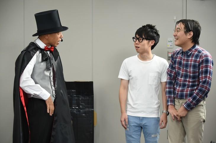 「有田ジェネレーション」1時間SPに出演する、(左から)バイきんぐ小峠、イヌコネクション。(c)TBS