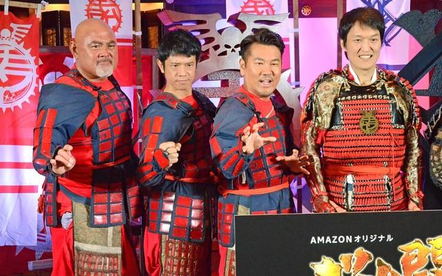 左から武藤敬司、品川庄司・庄司、FUJIWARA藤本、千原ジュニア。