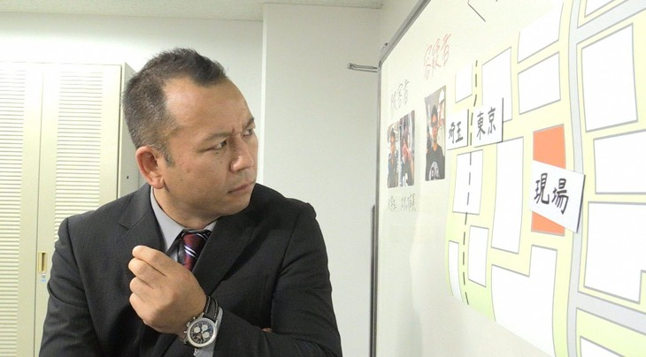 「ソノサキ ~知りたい見たいを大追跡!~」の「ソノサキ刑事」コーナーに出演する、バイきんぐ西村。(c)テレビ朝日