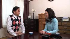西川きよしとヘレン夫妻を演じる、(左から)エハラマサヒロと尼神インター誠子。(c)BS-TBS