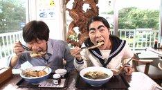左から内村光良、イモトアヤコ。(c)日本テレビ