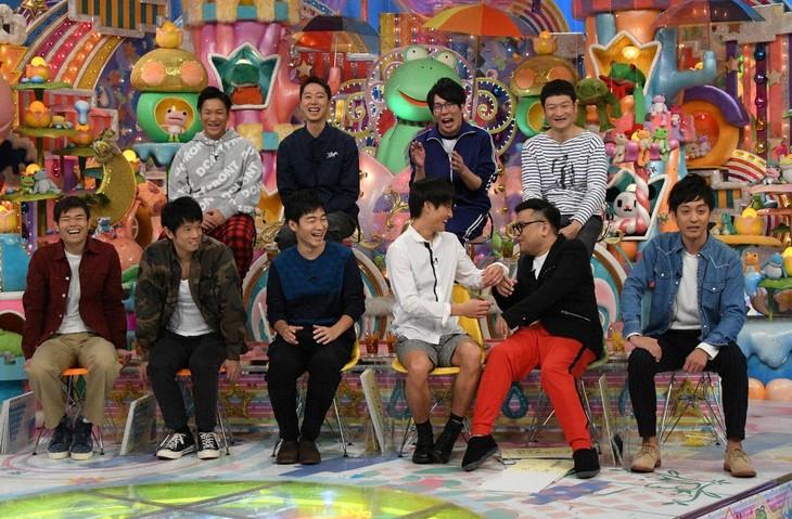 「アメトーーク!」にて展開される「もっとやれるはずだったのに…2017反省会」の出演者たち。(c)テレビ朝日