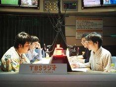 空気階段(手前)(c)TBSラジオ