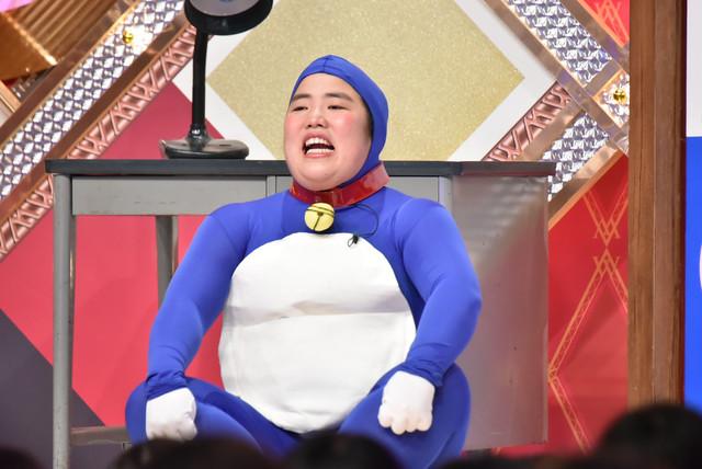 2本目のネタを披露するゆりやんレトリィバァ。(c)日本テレビ