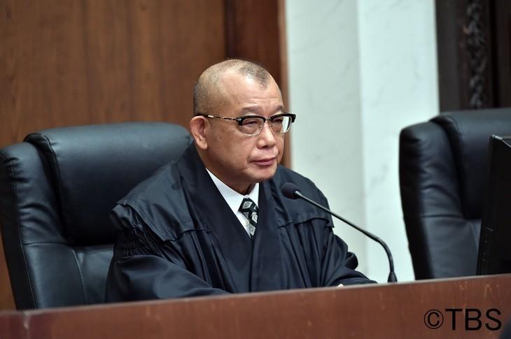 「日曜劇場『99.9-刑事専門弁護士-SEASONII』」に出演する、笑福亭鶴瓶。