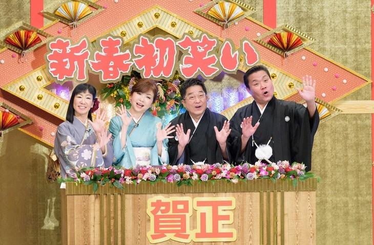「新春!オールよしもと初笑いスペシャル」司会のトミーズとハイヒール(左)。(c)ABC