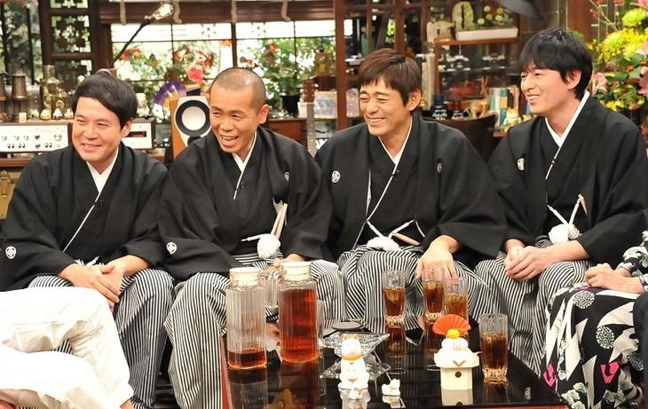 「新春大売り出し!さんまのまんま」に出演する(左から)タカアンドトシ、博多華丸・大吉。(c)関西テレビ