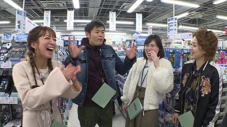 「旅ずきんちゃん」に出演する(左から)辻希美、品川庄司・品川、尼神インター。(c)CBC