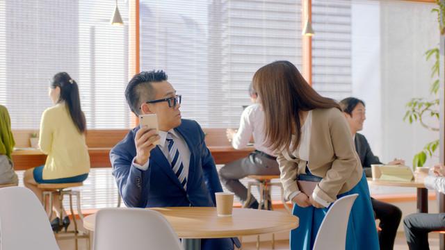 CM「宮川先輩、SUVでワクワク」篇のワンシーン。